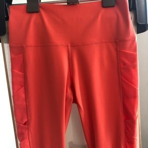 Lululemon Coral Mesh Side Detail Crop Leggings